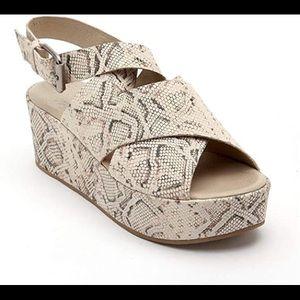 Matisse runaway platform shoe
